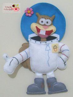 Estação Felicidade Plush Craft, Felt Bookmark, Crafts For Kids, Arts And Crafts, Baby Binky, Sewing Stuffed Animals, Felt Patterns, Felt Toys, Felt Christmas
