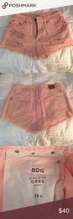 BDG pink high rise shorts Brand new condition, worn once, size 25 BDG Shorts