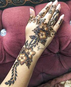 Pretty Henna Designs, Latest Henna Designs, Floral Henna Designs, Finger Henna Designs, Mehndi Designs Book, Stylish Mehndi Designs, New Bridal Mehndi Designs, Mehndi Designs For Fingers, Mehndi Designs For Hands