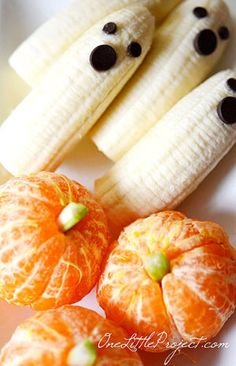 Banana Ghosts and Clementine Pumpkins. (Photo via One Little Project)