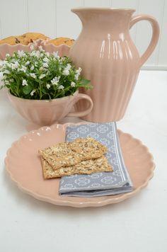 Kanne, Tasse und Teller aus der Mynte Serie von Ib Laursen.