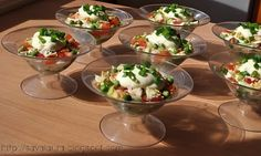 Salata in cupe, in straturi, Rețetă Petitchef Finger Food Appetizers, Finger Foods, Appetizer Recipes, Easter Recipes, Traditional, Cooking, Breakfast, Mai, Desserts