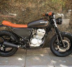 """416 Me gusta, 7 comentarios - STG Tracker (@stg_tracker) en Instagram: """"Honda CBX250 x STG . . www.stgtracker.com.ar . . #stgtracker #honda #cbx250 #hondatwister #twister…"""""""