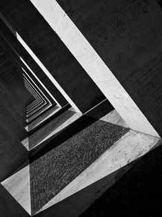 24 Light and Shadow Photography for Inspiration - vintagetopia Black & White Photography Architecture Ombre, Shadow Architecture, Light Architecture, Classical Architecture, Architecture Sketchbook, Architecture Photo, Light And Shadow Photography, Black And White Photography, Photo Black White