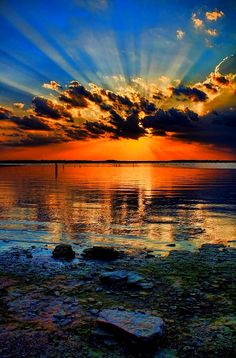 Wolken ✯ A Rockin Sunset! How An Adopted Person Can Find Their Birth Family In nearly all States, ad Beautiful Nature Wallpaper, Beautiful Sunset, Beautiful Landscapes, Beautiful Places, Beautiful Nature Pictures, Calming Pictures, Relaxing Photos, Best Nature Wallpapers, Sunset Wallpaper