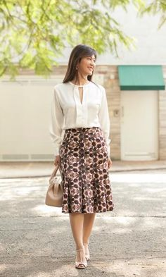 simple yet elegant top length skirt waist skirt to move out Lazy Day Outfits, Modest Outfits, Skirt Outfits, Dress Skirt, Waist Skirt, Work Fashion, Modest Fashion, Fashion Outfits, Fashion Design