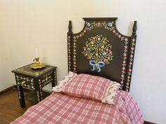 Dollhouse miniature single bed in 12th scale Portuguese