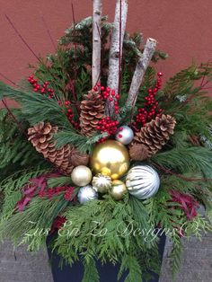 Christmas planter Christmas Urns, Christmas Planters, Christmas Garden, Outdoor Christmas, Christmas Projects, Winter Christmas, Holiday Crafts, Christmas Wreaths, Xmas