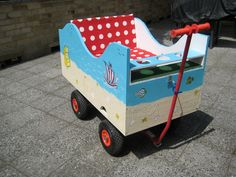 Geräumiger, praktischer, handbemalter Bollerwagen
