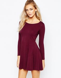 Boohoo - Robe patineuse à manches longues taille 38 ASOS 20€99