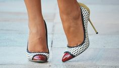 Meu look – Black & White! Types Of High Heels, Sarah Jessica Parker Shoes, Sergio Rossi Shoes, Gianmarco Lorenzi, Shoes 2014, Black White, Charlotte Olympia, Stiletto Heels, Stilettos