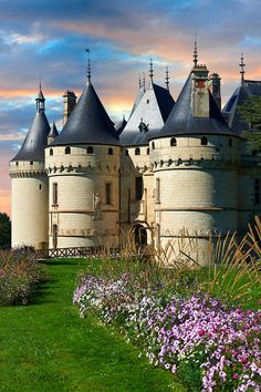 Pictures of Chateau Chaumont, France - Stock Photos Photos Gallery Castle Gate, Castle Ruins, Castle House, Beautiful Castles, Beautiful Buildings, Pictures Images, Travel Pictures, Monuments, Places To Travel