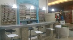 Comparte experiencias mientras mimas tus manos en @coquelicotec, búscanos en Mall El Jardín, nivel 1. #manicure #uñas #manos #spa #nailsalon #SallyHansen #OPI #ChinaGlaze #essie