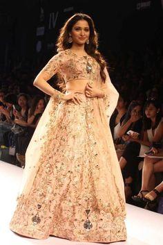 Tamannaah Bhatia showcased a garment from Payal Singhal's collection at the Lakme Fashion Week Lengha Saree, Salwar Dress, Indian Bridal Couture, Lakme Fashion Week 2015, Bollywood Fashion, Bollywood Style, Bollywood Actors, Couture Week, Indian Attire