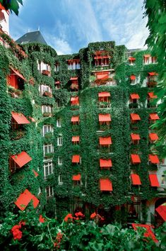 "just-good-design:""La Cour Jardin in the Plaza Athenee hotel in Paris. France 4, Paris France, Paris Hotels, Amazing Architecture, Art And Architecture, Plaza Athenee Paris, Hotel Plaza, Building Design, House Building"