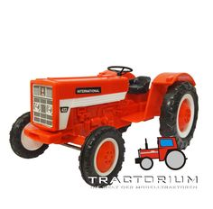 Hausser Elastolin IH 423 Traktor ca. 1/25