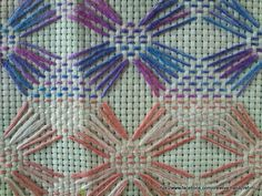 Neat and original design for Swedish weaving. Bargello Patterns, Bargello Needlepoint, Needlepoint Stitches, Needlework, Cross Stitches, Loom Patterns, Cross Stitch Embroidery, Embroidery Patterns, Hand Embroidery