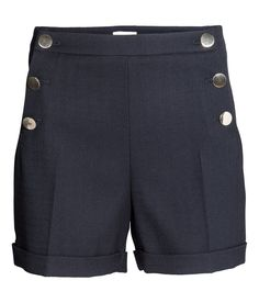 Shorts in woven stretch fabric. | H&M Modern Classics