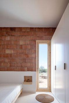 Can Xomeu Rita - Marià Castelló · Architecture Interior Minimalista, Architecture Design, Contemporary Architecture, Minimal Home, Minimal House Design, Brickwork, Minimalist Interior, Interior And Exterior, Exterior Stairs