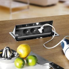 CONI - Módulo abatible de enchufes y cargador USB