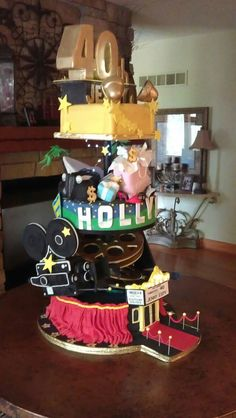 - 40th B-day surprise Hollywood cake