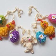 Crochet easter wreath door decoration easter door wreath door   Etsy Easter Chick, Easter Bunny, Easter Eggs, Crochet Garland, Felt Garland, Easter Crochet, Crochet Bunny, Crochet Toys, Bunny Nursery