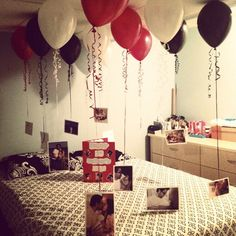 Nice 41 Romantic Valentine Bedroom Decor Ideas For Couples. Fathers Day Photo, First Fathers Day, Photo Ballon, Diy Valentines Gifts For Him, Cute Surprises, Romantic Birthday, Idee Diy, Birthday Decorations, Room Decorations