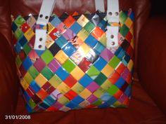 En så flot taske flettet af parpir,som jeg købte af en sød dame inde i Flettepigerne her på Fb Jeg elsker de farver