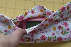 such a good idea!! Yoga Band Insulin Pump Pouch Tutorial. A little hard to follow so I made up some steps because I figured I was only sleeping in the dumb thing. We'll see how comfy it is tonight!