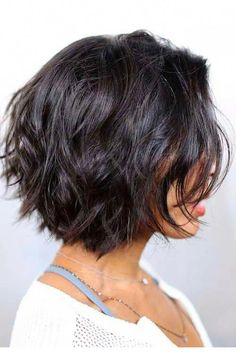 The Best Hairstyles You Can Air Dry, According to Your Hair Type- For Wavy Hair: Stacked Bob Trending Hairstyles, Short Hairstyles For Women, Straight Hairstyles, Braided Hairstyles, Cool Hairstyles, Hairstyle Ideas, Everyday Hairstyles, Black Hairstyles, Celebrity Hairstyles