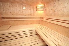 Innenansicht einer POOLSANA Elementsauna. Jede Sauna wird in Komplettausstattung inkl. Bänke, Rückenlehnen, ergonomischer Kopfstütze, Saunabeleuchtung, Kübel, Kelle, Klimamesser, Sanduhr und noch mehr versandkostenfrei ausgeliefert! #sauna #wellness Sauna Wellness, Stairs, Home Decor, Hourglass, Lighting, Stairway, Decoration Home, Room Decor, Staircases
