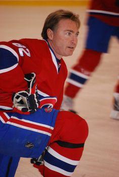 Donald Audette est libéré par le Canadien de Montréal en janvier 2004. Il terminera la saison avec les Panthers de la Floride après avoir accepté les termes d'un contrat d'un an. La saison suivante, Le calendrier complet comprenant 1 230 parties, dont le début est prévu en octobre 2004, est officiellement annulé le 16 février 2005 en raison d'un lock-out. Après 15 saisons dans la LNH, Donald Audette annonce sa retraite en décembre 2005. En 2012, il devient recruteur amateur pour le…