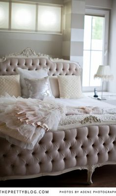 1000 images about french bedroom on pinterest french bedrooms french style bedrooms and canopies - Romantic living room ideas for feminine young ladies casa ...