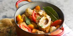 Osso-buco with traditional Milanese - Healthy Food Mom Meat Recipes, Gourmet Recipes, Healthy Snacks, Healthy Recipes, Japanese Lunch, Albondigas, Soul Food, Food Print, Clean Eating