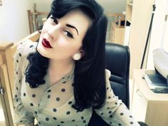 Pinup Beauty: Retro hair and makeup