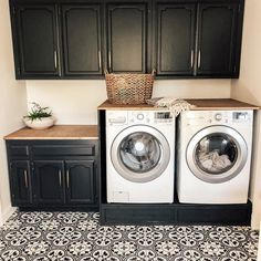 Modern farmhouse laundry room black cabinets wood countertop black and white patterned tile Laundry Room Remodel, Basement Laundry, Laundry Decor, Laundry Room Organization, Laundry Room Design, Laundry Room Tile, Laundry Area, Organizing, White Laundry Rooms