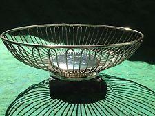 "Elegant Vintage Silverplate 11"" Oval Wire Fruit Bread Bowl Basket"