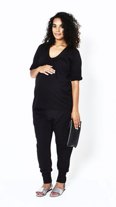 Black is beautiful Maternity Fashion, Maternity Style, Black Blouse, Black Jeans, Black Is Beautiful, Scoop Neck, Suits, Collection, Tops