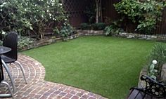 Fake lawn for under the trampoline? Back Gardens, Small Gardens, Outdoor Gardens, Circular Lawn, Synthetic Lawn, Small Courtyards, Garden Makeover, Low Maintenance Garden, Brick Patios