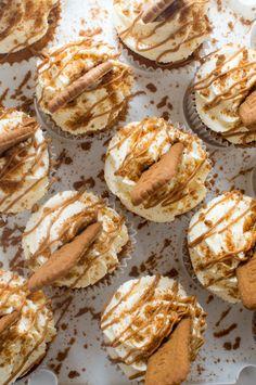 "choccoberry: ""Lotus Biscoff Cupcakes """