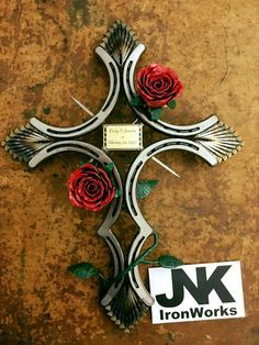 """Determine even more details on """"metal tree art decor"""". Browse through our internet site. Horseshoe Projects, Horseshoe Crafts, Horseshoe Art, Horseshoe Ideas, Horseshoe Decorations, Welding Crafts, Welding Art, Welding Projects, Welding Ideas"""
