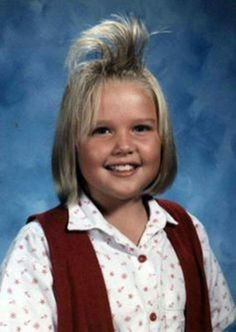 Cameron Diaz Picture Day Hair, Bad Picture, Bad School Pictures, Terrible Haircuts, Self Haircut, Haircuts With Bangs, Hair Gel, Bad Hair Day, Hair Raising
