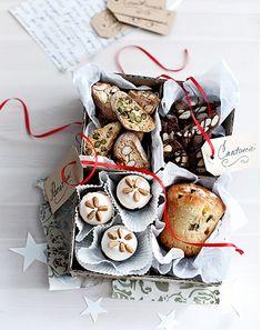 #Panettone, #torroncini ricoperti, #biscotti, #cioccolata, mandorle.  Prova tutti i nostri dolci biologici!