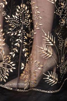 Embroidered Veil Inspiration (instagram @the_lane)