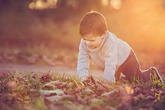 I am super happy to share this wonderful family portrait session that took place this fall in St George , Ontario. ( Brant ) I am pretty sure I have that location right! This beautiful Mama is also a professional and talented photographer in Paris ( Kelly Temple ) and it was super cool meeting her…