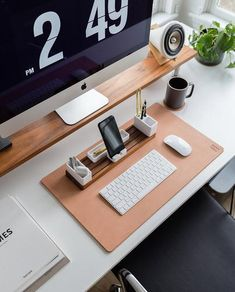 Home Office Setup, Home Office Design, Office Decor, Work Desk Decor, Home Office Space, Small Office, Office Style, Office Ideas, Desk Inspo