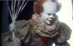 Steven King, Pennywise The Dancing Clown, Bill Skarsgard, Gaara, Horror Films, Gorgeous Men, Famous People, It Cast, Dance