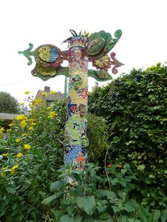 Totem pole at Roots & Shoots