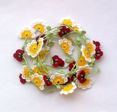Handmade Crochet Necklace Oya with Daisies and Poppies. Inspiration