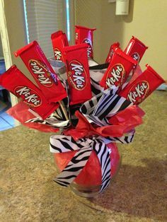DIY candy bouquet for any occasion Candy Boquets, Candy Bar Bouquet, Valentine Bouquet, Valentine Box, Candy Arrangements, Valentine Baskets, Candy Grams, Candy Boutique, Valentine Chocolate